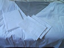 FINESSE - 4-teilige COUVERT-GARNITUR mit Weißstickerei 1,50 x 2,00 m NEU