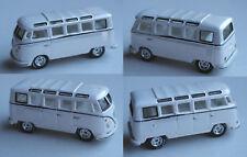 Johnny Lightning - VW Bus T1 Samba perlmuttweiß
