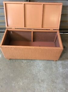 Vintage Lloyd loom basket wave blanket box or toybox lovely condition
