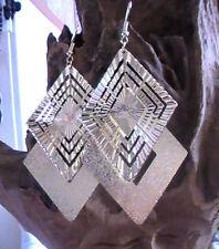 GOLD metal DIAMOND SHAPE EARRINGS, RHOMBUS DIAMOND SHAPE VERY ELEGANT GLITTER
