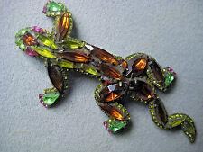 DOROTHY BAUER  3d salamander 33 pin in Swarovski Austrian Crystal -olivine/topaz