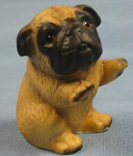 Mops pug figur hund hundefigur HK porzellan porzellanfigur