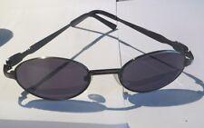 Paire de lunette de soleil cef3 dans un écrin blanc et bleu rigide