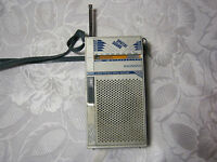 Magnavox Spatial Sound Handheld  AM FM Vintage Transistor Radio Retro
