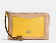 NWT COACH F86924 Corner Zip Wristlet IN COLORBLOCK LEATHER $75 RETAIL