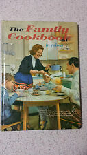 THE FAMILY COOKBOOK in colour Marguerite patten HB 1964