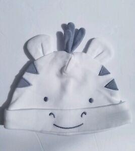 Gymboree Unisex Baby Girafee Infant Beanie Hat White Gray Hat NB/0 months NWOT