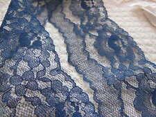 large et jolie dentelle ancienne vintage bleu calais 3 mètres sur 6,7 cm