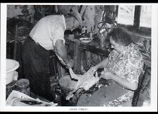 LASCAUX (19) CORPS de FERME CEYRAT / PREPARATION de l'OIE en 1982