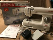 SINGER Tiny Tailor Mending Sewing Machine TT600 w/box and instructions WORKS!