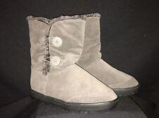 NWOB DREAM PAIRS Women's Grey VEGAN Heavy Furry Lined Boot 'BYTE-6A' Style Sz 10