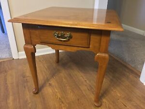 ETHAN ALLEN HEIRLOOM NUTMEG MAPLE SQUARE END TABLE, 10-8035. Read for Shipping