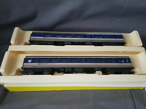 2 HORNBY R4153/4 NETWORK SOUTHEAST MK2A 1ST/2ND CLASS WEATHERED COACHES MINT BXD