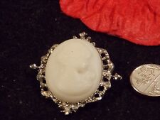 with white cameo Vintage Brooch silver tone