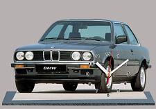 BMW M3 E30-01, VOITURE ALLEMANDE EN HORLOGE MINIATURE SUR SOCLE
