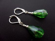 A PAIR OF DANGLY GREEN GLASS   CRYSTAL TEARDROP LEVERBACK HOOK EARRINGS. NEW.