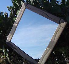 Specchio quadrato fatto a mano in Basalto e Marmo Giallo Sole