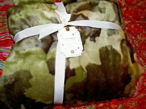 POTTERY BARN TEEN FAUX FUR CAMO THROW, CAMOFLAUGE,HUNTING,KIDS, GREAT GIFT,  NEW