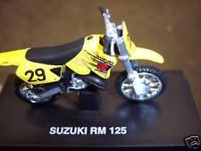 New Ray MIB 1:32 Suzuki RM 125 Yellow Number 29