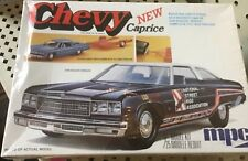 MPC 7604 Original 1976 Chevy Caprice 454 w/Trailer 1/25 MODEL CAR MOUNTAIN FS