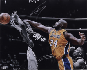Shaquille O'Neal Autographed Los Angeles Lakers 16x20 Block Shot Beckett