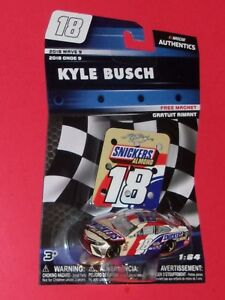 KYLE BUSCH #18 SNICKERS 1:64 Nascar Authentics 2018 Wave 9 Toyota Camry 16345