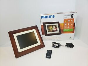 """Philips SPF3482 Home Essentials Digital PhotoFrame 8"""" LCD Panel Brown Wood Frame"""