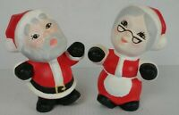 "VINTAGE CERAMIC HAND PAINTED KISSING MR & MRS SANTA CLAUS 6"" TALL 3"" WIDE"