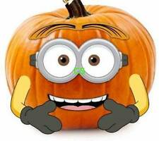 NWT-PMG Halloween Despicable Me Minions 5 Pc Wood Pumpkin Push Ins Cake Topper