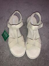NWT Grasshoppers Memory Deluxe Sandals Elastic Strap Shoes Women's Size 8 W