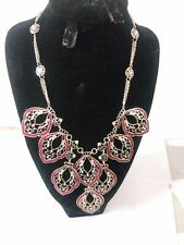 WHITE HOUSE BLACK MARKET NECKLACE NWT PINK w/ SILVER HARDWARE