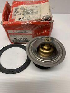 Mitsubishi Fuso Thermostat Kit ME994304 88 deg New Old Stock