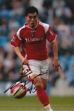 CHARLTON ATHLETIC HAND SIGNED ZHENG ZHI 6X4 PHOTO.