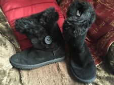 SOULCAL & CO BLACK SUEDE SIZE 5 BOOTS WITH FUR LINNING VGCC