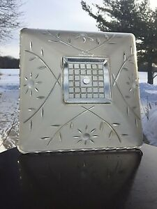VINTAGE Art Deco GLASS EMBOSSED FLORAL VINE SAW TOOTH EDGE CEILING LIGHT SHADE