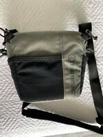 Tamrac Tradewind 2.1 Zoom Bag for Compact DSLR or Mirrorless Cameras - USED