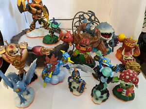 WII Portal of Power Skylanders Lot With Base and Figures