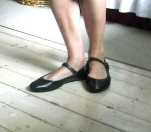BLACK LEATHER MARY JANE CLARKS FLAT SHOES 7 FLATS ANKLE STRAP 80's 90's eu 40