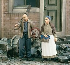 Verlinden 1/35 Farmer and Wife Europe WWII (2 Figures) [Resin Farmyard] 1909