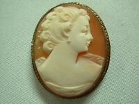 LOVELY ANTIQUE VICTORIAN GOLD TONE CARVED CAMEO BROOCH PIN WITH PRETTY LADY