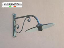 Lampada applique a parete per esterno in ferro battuto 1121 con piatto smaltato