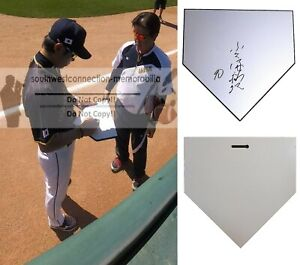 Hiroki Kokubo Yomiuri Giants Japan Signed Autograph Baseball Home Plate Proof