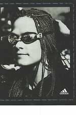 PUBLICITE ADVERTISING  1997   ADIDAS  lunettes équipement sport en noir et blanc