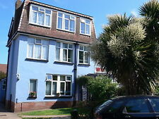 FAMILY HOLIDAY FLAT 7 nights BEAUTIFUL S DEVON Early May NEAR FAMILY BEACH