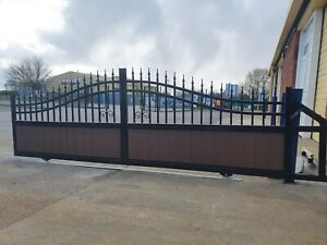 Electric Sliding floor track gates 3,9m  opening wide, automated NICE Robus