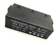 Genuine MERCEDES BENZ ACTROS AXOR ATEGO Turn Signal Flasher Relay A0035446132