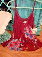 NWT BAND OF GYPSIES LACE CAMISOLE FLORAL BOHEMIAN BLOUSE CAMI WOMEN'S TANK TOP L