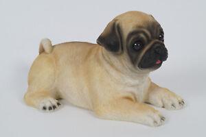 Mops Deko Hund aus Polyresin liegend Maße ca.28 x 18 x 17 cm