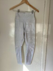 Women's Alo 7/8 High Waist Brilliance Luminance Leggings. Size S