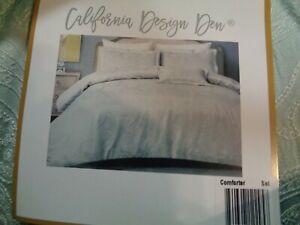 California Design Den Hotel Luxe Down Alternative Full/Queen Comforter Set NEW!!